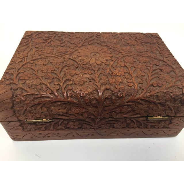 Anglo Raj Hand-Carved Decorative Box For Sale In Los Angeles - Image 6 of 10