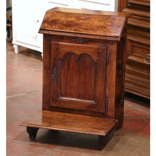 Mid-19th Century French Louis XIII Carved Walnut Prie-Dieu Prayer Kneeler For Sale - Image 13 of 13