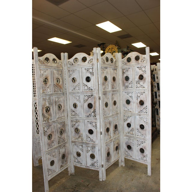 1920s Indian 4-Panel White Wood Screen For Sale - Image 4 of 8