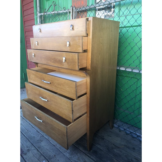 1960s Mid Century Modern Profile Highboy Dresser by Drexel For Sale In New York - Image 6 of 13