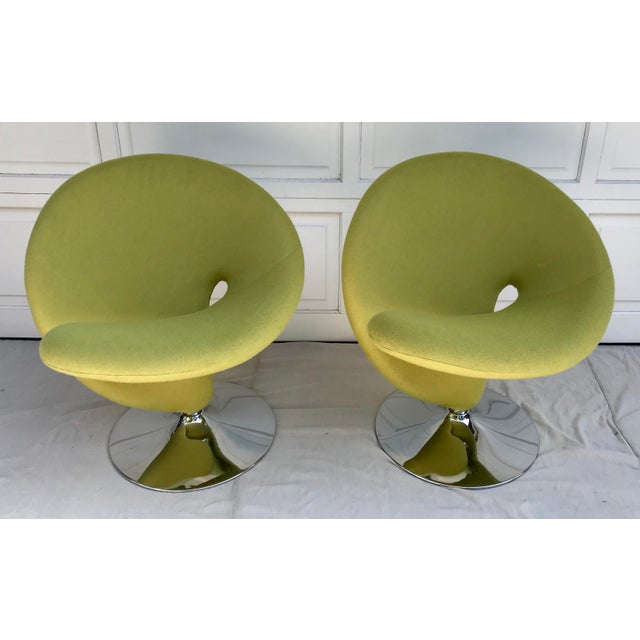Looking to add some character to your space?! These will definitely do it! They are AMAZING! The color is an apple green...