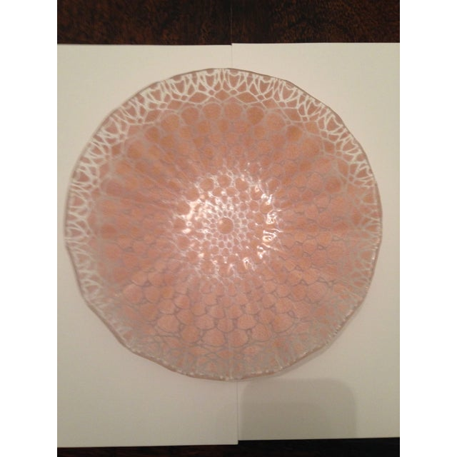 Etched Doily Pink Glass Bowl - Image 4 of 4