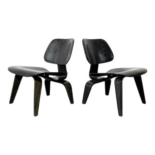 1950s Black Charles Eames Lcw Herman Miller Chairs - a Pair For Sale