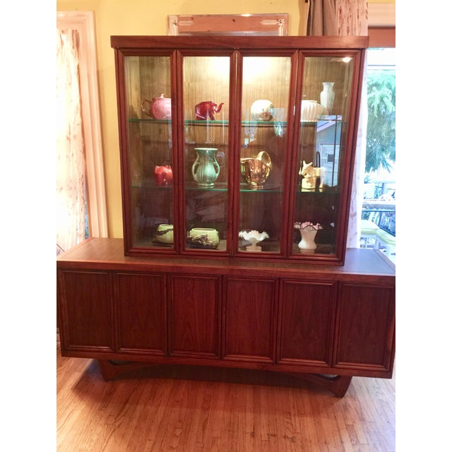 Mid-Century Modern 1960s Mid-Century Modern Walnut Credenza Hutch For Sale - Image 3 of 13