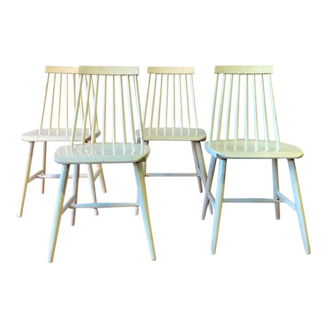 Mid Century Modern Spindle Back Dining Chairs - Set of 4 For Sale