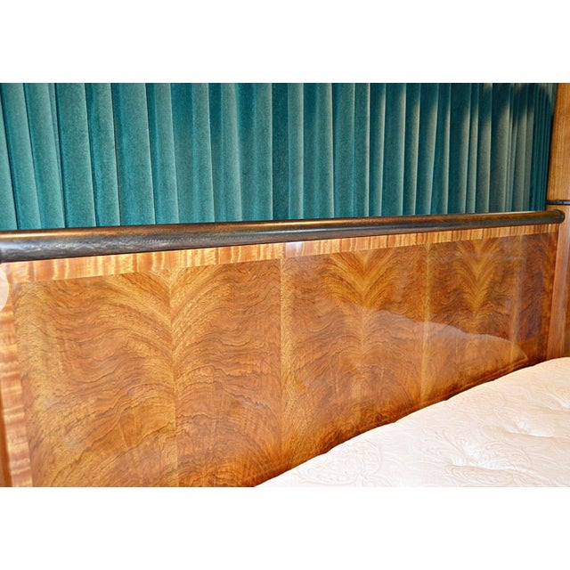 """Art Deco Henredon """"Splendour"""" Contemporary Art Deco Poster Bed With Book-Matched Burl Wood Head/Footboard For Sale - Image 3 of 13"""