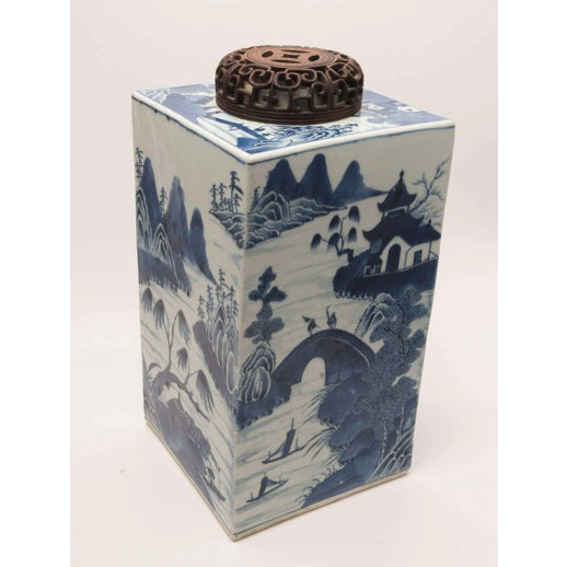 19th Century Chinese Export Canton Large Blue and White Tea Caddy For Sale - Image 4 of 11