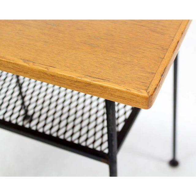 Mid-Century Modern Side or End Table For Sale In New York - Image 6 of 10