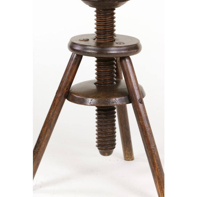 Late 19th Century 1870s English Oak Three Legged Adjustable Artist Stool For Sale - Image 5 of 12