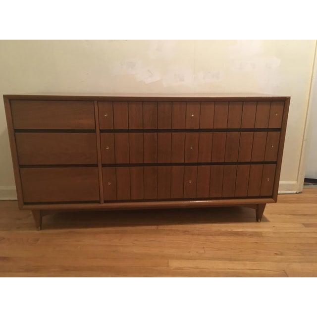 Kroehler Mid-Century Modern Low Boy Dresser - Image 3 of 4