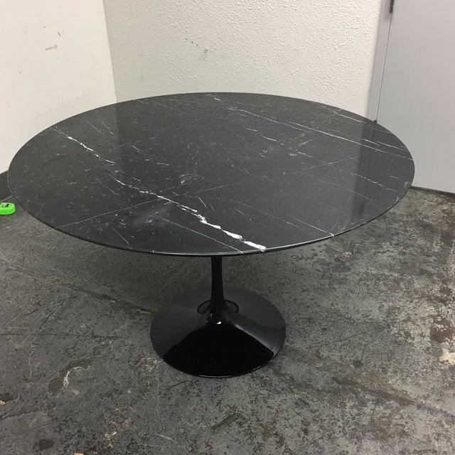 Room Board Saarinen Nero Black Marble Table Chairish - Black marble saarinen table