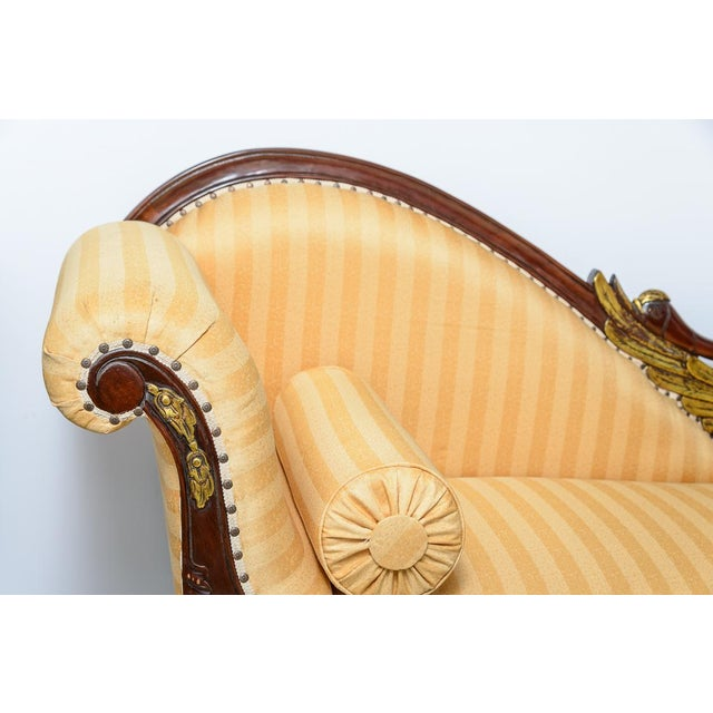 Mid 20th Century Hollywood Regency Hand Carved Swan Recamier or Meridienne For Sale - Image 5 of 10