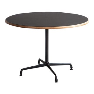 1970s Mid-Century Modern Black Round Cafe Table For Sale