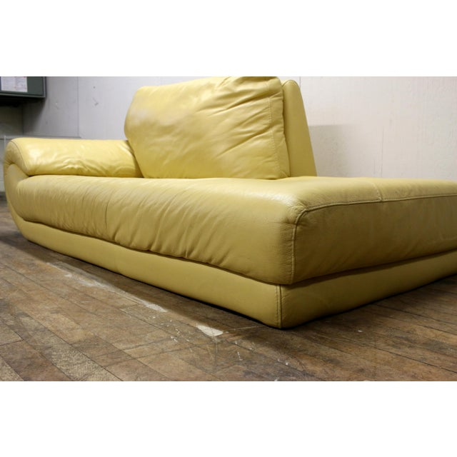 Vintage Mid-Century Modern Nicoletti Italian Leather Canary Yellow Low Daybed For Sale - Image 4 of 12