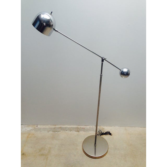 Mid Century Chrome Counterweight Floor Lamp For Sale - Image 4 of 8