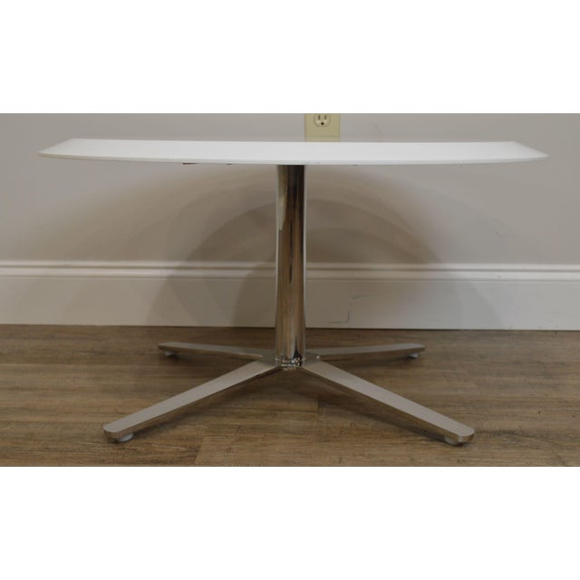 Cumberland Mid-Century Modern Style Pair Chrome Pedestal Base Round White Tables For Sale - Image 11 of 12