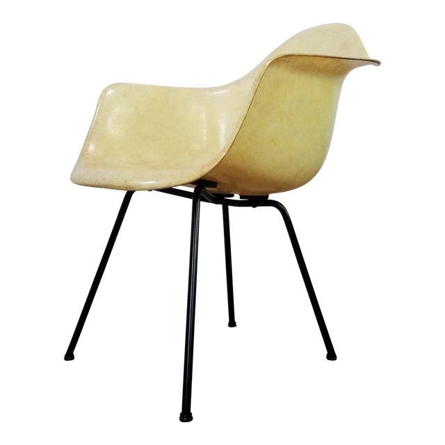 1950s Danish Modern Charles & Ray Eames for Zenith Plastics Fiberglass Chair For Sale
