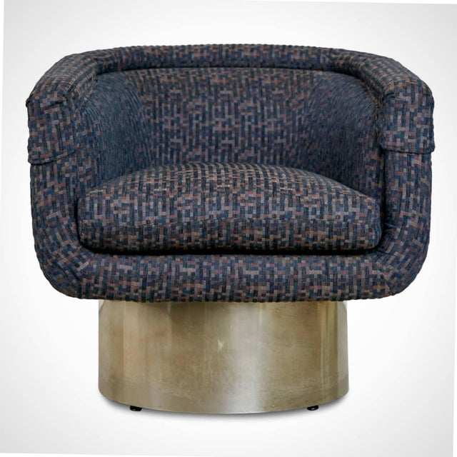 Elegant Leon Rosen swivel chair for the Pace collection. This club chair has a tub seat which retains the original...