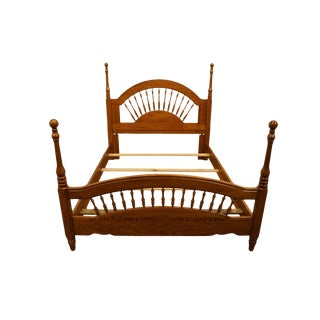 Late 20th Century Lexington Furniture Recollections Collection Solid Oak Queen Size Spindle Bed 468-140 For Sale