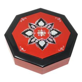 Vintage Octagonal Red and Black Lacquered Box With Mother of Pearl Inlay For Sale