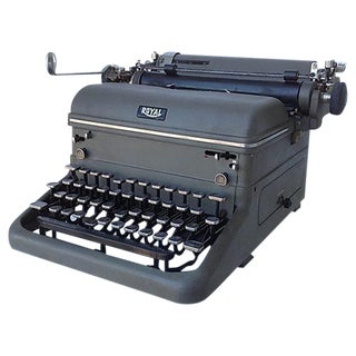 """1940's Vintage """"Royal"""" Typewriter"""
