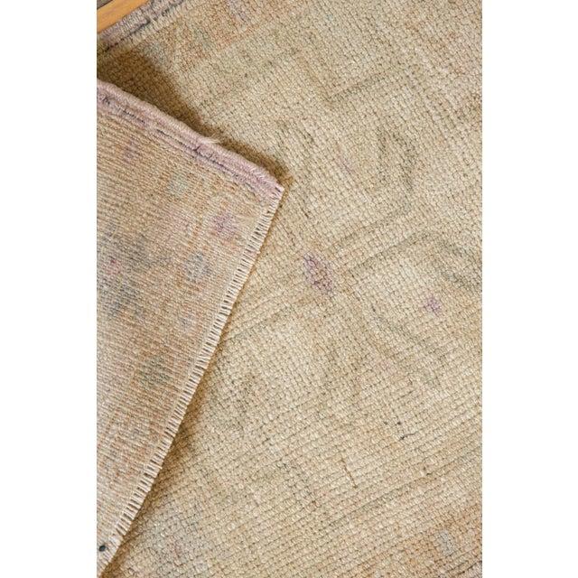 "Textile Vintage Distressed Oushak Rug Mat - 1'6"" X 2'9"" For Sale - Image 7 of 9"