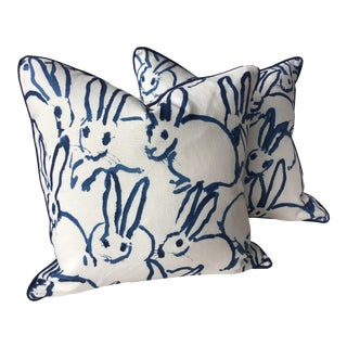 "21"" Pillows From Lee Jofa ""Hutch"" Bunny Hutch in Navy - a Pair For Sale"