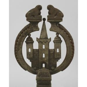 Bronze American Arts and Crafts wrought iron and bronze fire place andirons and screen For Sale - Image 7 of 11