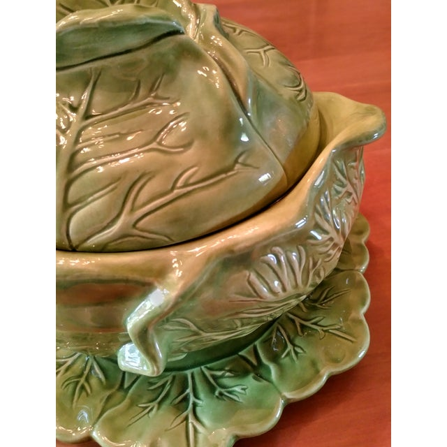 Green 1970s Majolica Cabbage Tureen With Serving Platter For Sale - Image 8 of 9