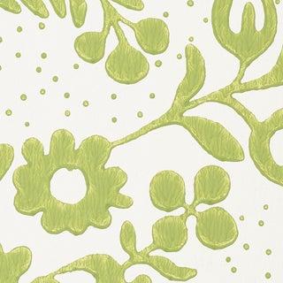 Sample - Schumacher Millicent Wallpaper in Leaf For Sale