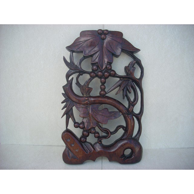 Leaf & Berry Carved Wall Plaque - Image 2 of 4