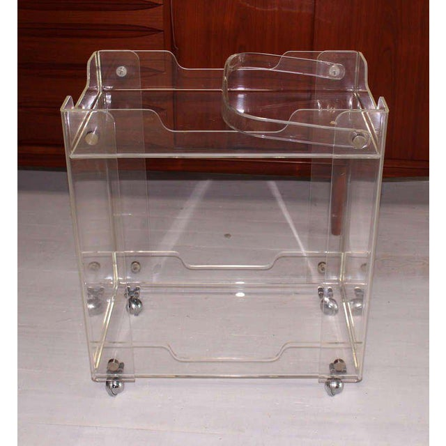 Bent Lucite Mid-Century Modern Tea Cart For Sale In New York - Image 6 of 7