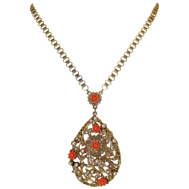 1930 Book-Chain Necklace With Jeweled Pendant For Sale