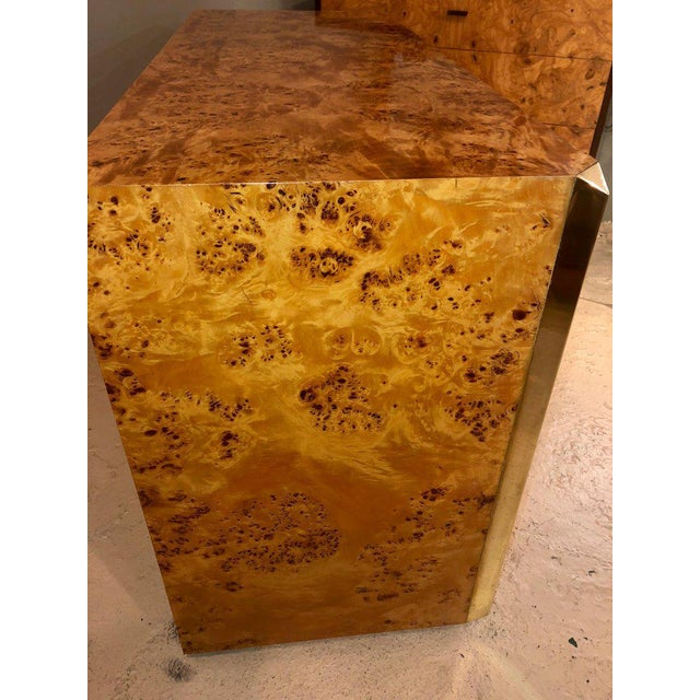 Pair of Willy Rizzo Commodes Nightstands With Brass Accents in a Light Burl Wood For Sale In New York - Image 6 of 13