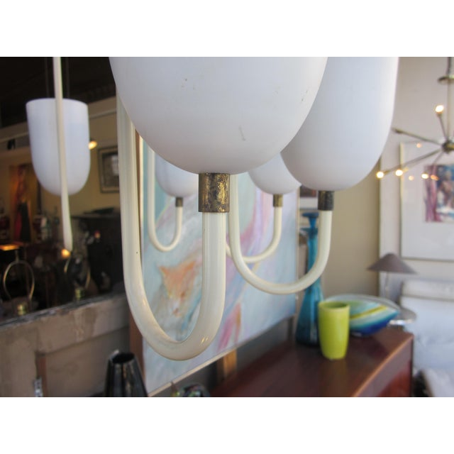 1950s Mid-Century Modern Matte White 9-Arm Curvilinear Chandelier For Sale - Image 4 of 12