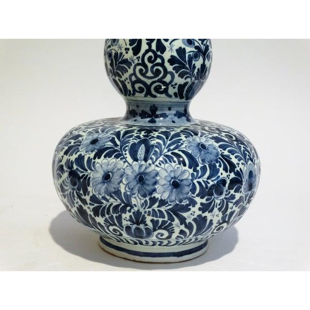 Large Dutch Delft Vase - Image 5 of 7