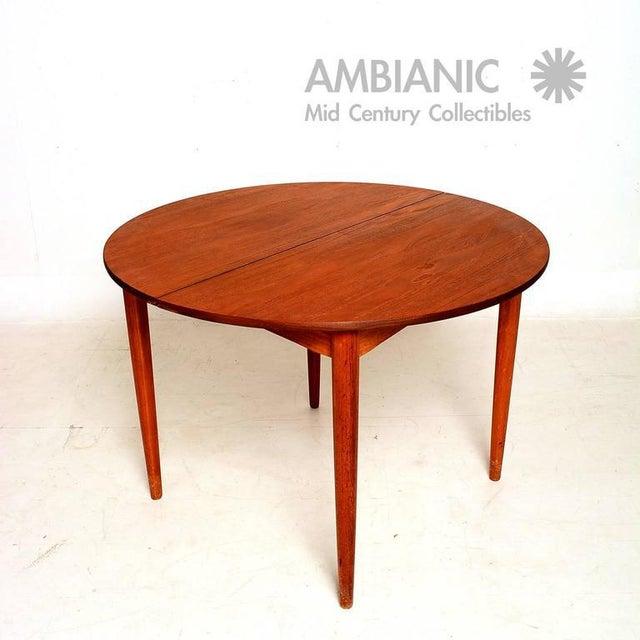 Danish Modern Danish Modern Teak Round Oval Dining Table For Sale - Image 3 of 8