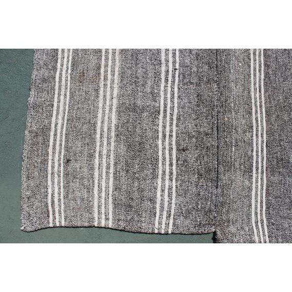1960s Vintage Turkish Striped Kilim Rug - 4′9″ × 7′4″ For Sale - Image 4 of 5