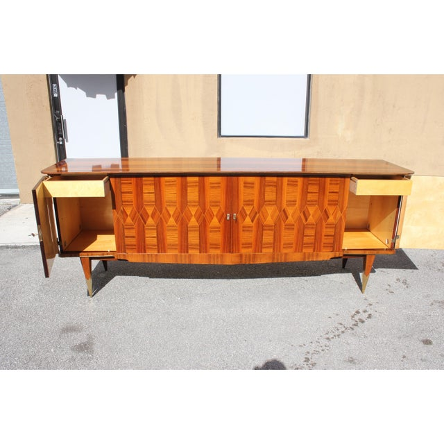 1940s Art Deco Exotic Macassar Ebony Sideboard / Buffet For Sale In Miami - Image 6 of 13