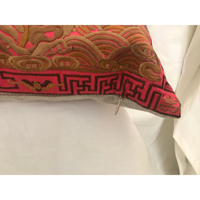 Hollywood Regency Coral & Gold Silk Embroidered Chinoiserie Boudoir Lumbar Pillow For Sale In Los Angeles - Image 6 of 10