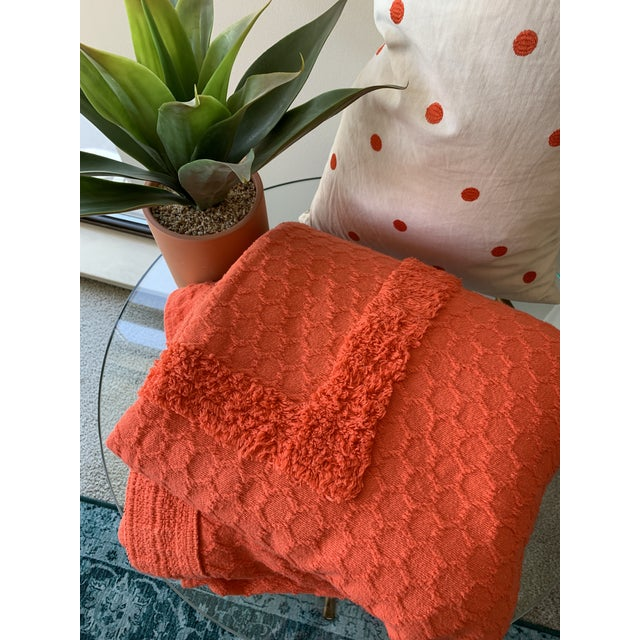 I'm a sucker for 50s & 60s decor, but this vintage cotton chenille coverlet has over-the-top personality! It's in great...