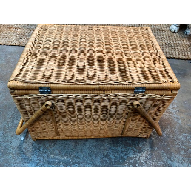 French Rattan Picnic /Trunk Basket For Sale In Miami - Image 6 of 8