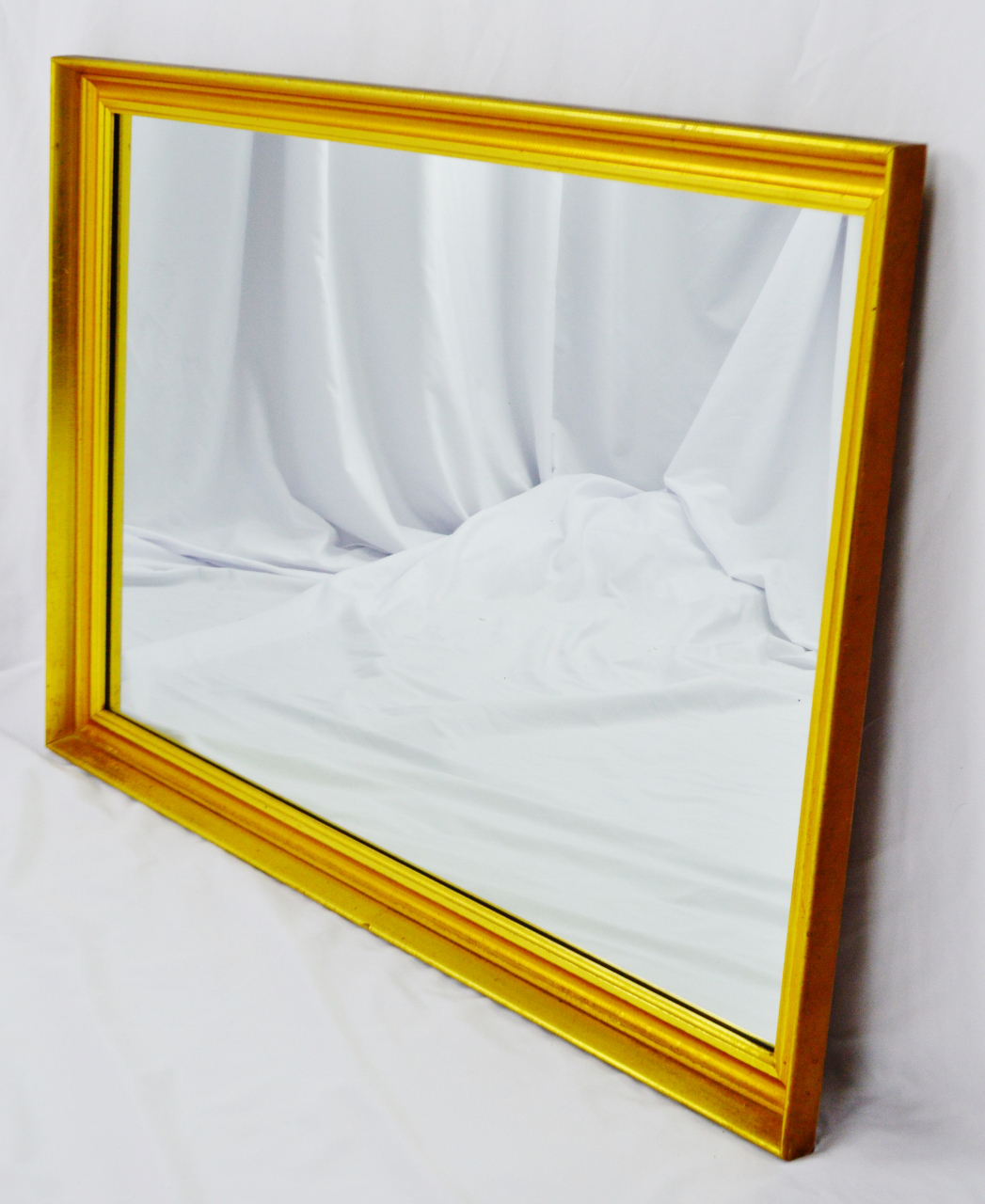 Vintage Bassett Furniture Gilt Framed Wall Mirror Condition Consistent With  Age And History. Please Use