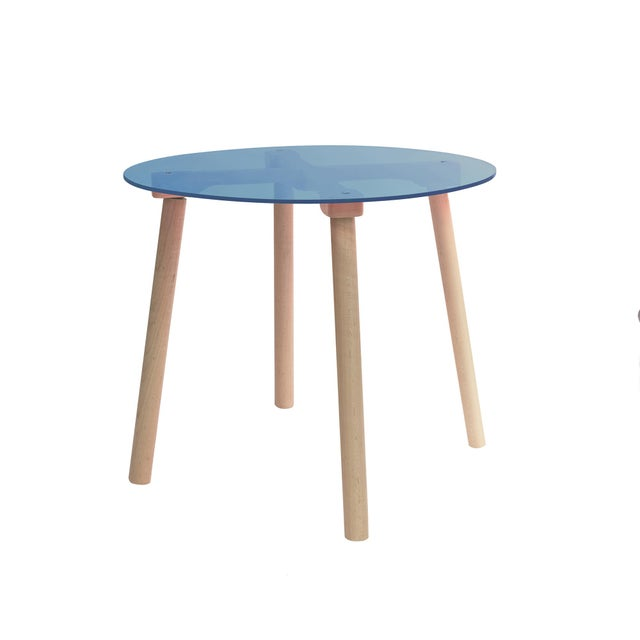 "Contemporary AC/BC Large Round 30"" Kids Table in Maple With Blue Acrylic Top For Sale - Image 3 of 3"