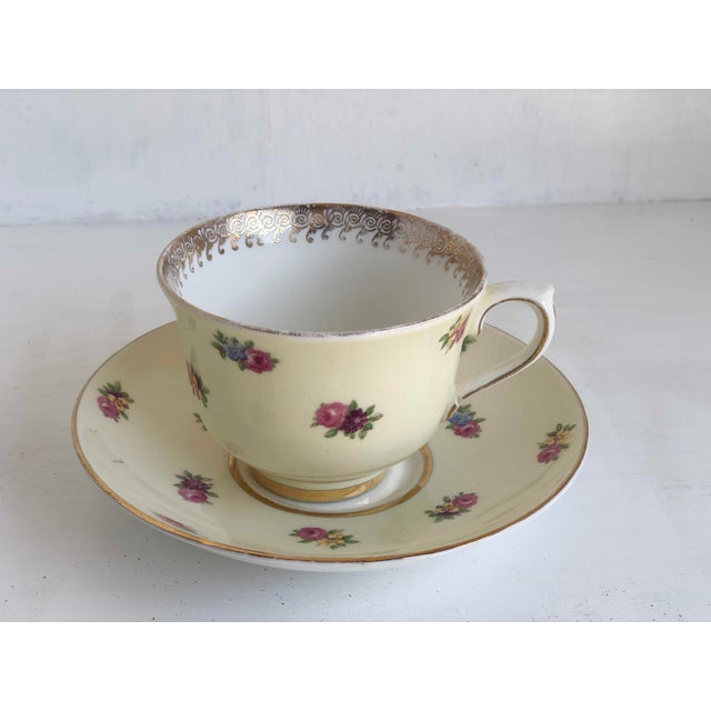 Colclough Creamer, Tea Cup and Saucer Set For Sale - Image 4 of 12