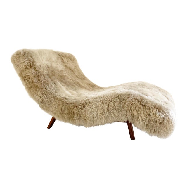 Wave Chaise Lounge in New Zealand Sheepskin For Sale