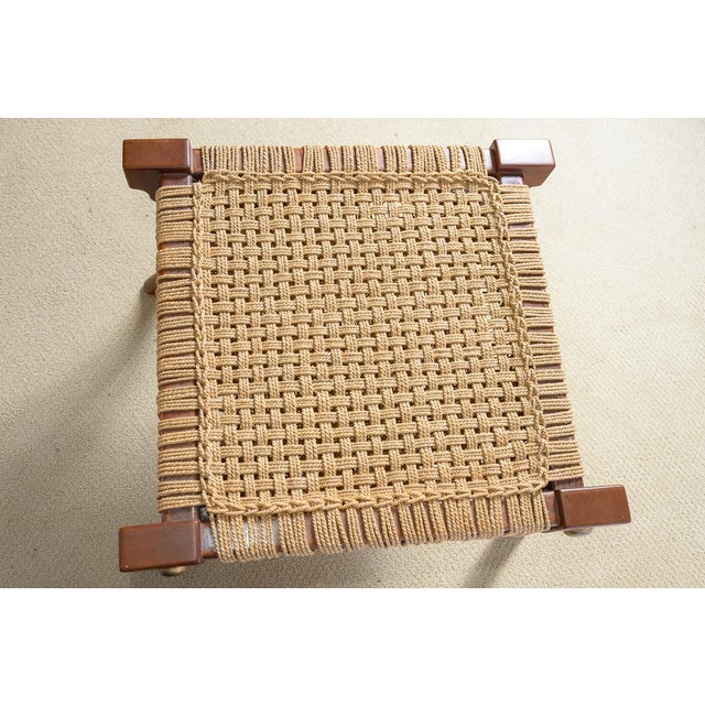 Hollywood Regency Robsjohn Gibbings Style Klismos Wood & Rope Ottoman For Sale - Image 3 of 11