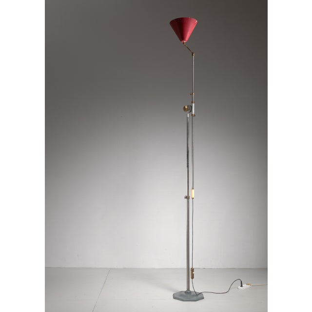 1950s Large 1950s adjustable metal floor lamp that can reach to 155 inch height For Sale - Image 5 of 6