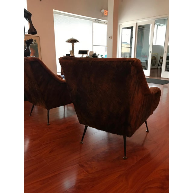 Italian Mid-Century Modern Club Chairs Covered in Cowhide - a Pair For Sale In New York - Image 6 of 13