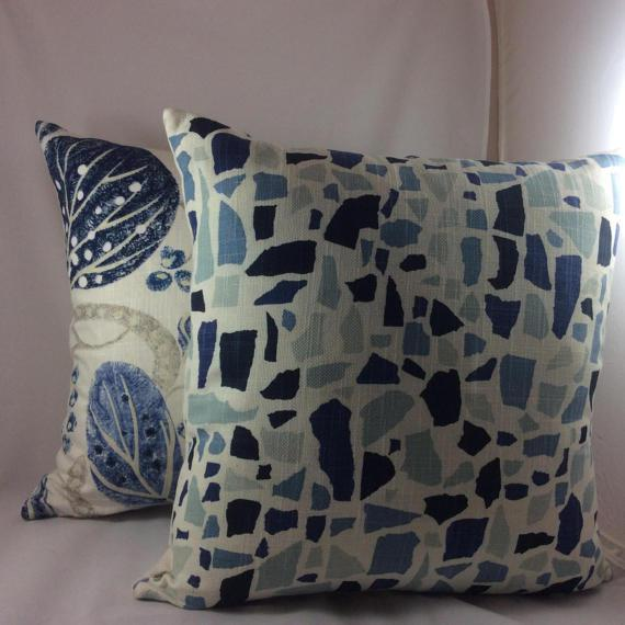 "William Yeoward ""Astasia"" in Navy Ikat Block Print Floral Pillows - a Pair For Sale - Image 5 of 6"